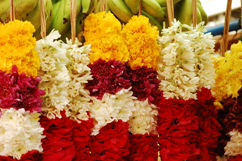 Little India - Fruits and flowers