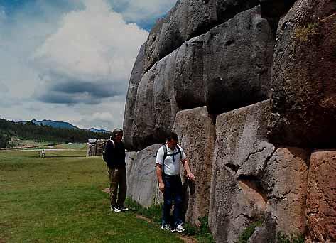 Piedras gigantescas de la fortaleza de Sacsayhuamán
