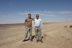 Charles and Fred in the Syrian desert (CharlesFred) Tags: peace middleeast syria hospitality siria honour  syrien syrie suriye  syrianarabrepublic    shoufsyria    welovesyria salamiyah aljumhriyyahalarabiyyahassriyyah siri