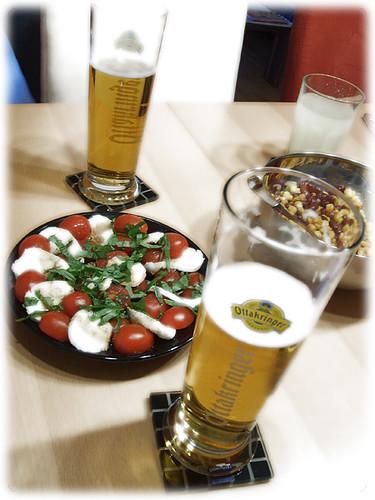 Ottakringer, Tomatoes, Mozarella, Maize, Kidney Beans