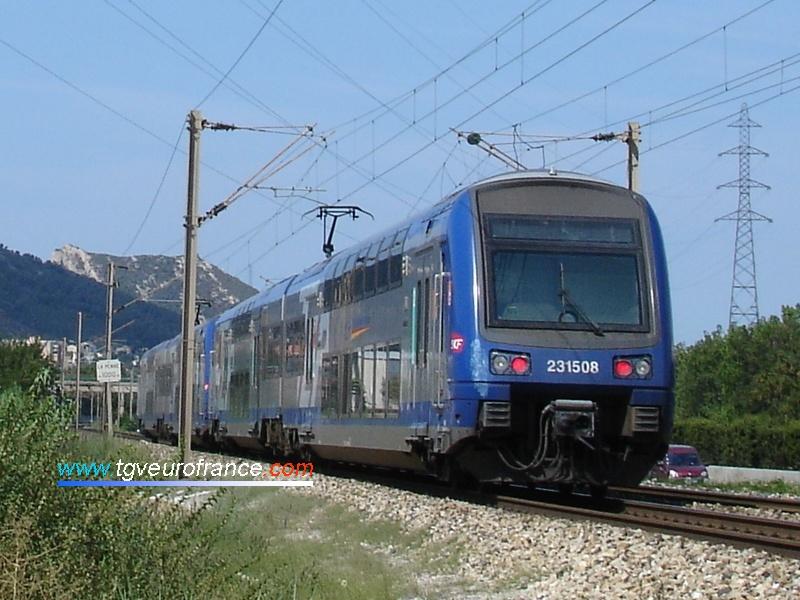 Un train régional TER 2N (rame Z 23508) en UM avec une autre rame Z 23500