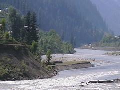 Neelam river at Sharda (Tanwir Jogi ( www.thetrekkerz.org )) Tags: travel pakistan beautiful trekking trek traveling tours lahore treks jogi beautifulpakistan trekkinginpakistan tanwir travelinginpakistan thetrekkerz tourisminpakistan tanwirjogi wwwthetrekkerzcom