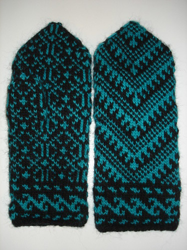 Anatolian Mittens - Front and Back