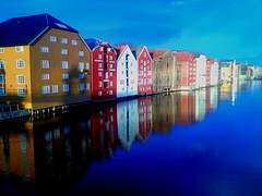Trondheim (Sorgul) Tags: sea sky reflections pretty blu ericsson gorgeous sony divine have attractive passion stunning lovely charming striking trondheim angelic graceful goodlooking endearing pleasant gracious isobel fascinating winsome belladonna shapely statuesque poetical buxom captivating enchanting citiy appealing pleasing vivacious scintillating lithesome mywinners finelooking k850i finefeatured finelychiselled misfavoritosinvitacion