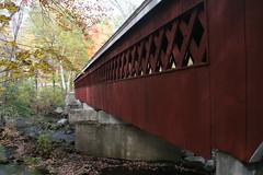 2008_10_13_brookline-nh_02 (dsearls) Tags: footbridge coveredbridge brookline bikeway brooklinenh potanipo nissitissit anthropocene nissitissitriver granitetownrailtrail 20081013 potanipopond