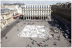 09_MG_6272 (Clement Guillaume) Tags: street streetart art performance royal muse atlas palais carton palaisroyal herbe latlas compas boussole calligraphie museenherbe