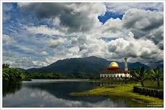 Masjid Darul Quran II (Dashuki Mohd) Tags: sky mountain reflection nature clouds landscape islam mosque malaysia masjid minarets tamron1750mm canon400d huluselangor infinestyle awe2020