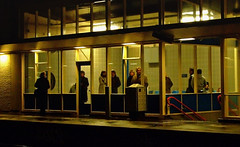 Heemstede-Aerdenhout revisited (Kleiobird) Tags: station railwaystation handheld nightscene waitingroom wachtkamer nachtopname heemstedeaerdenhout