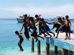 Having Fun (momodives) Tags: male south maldives atoll guraidoo