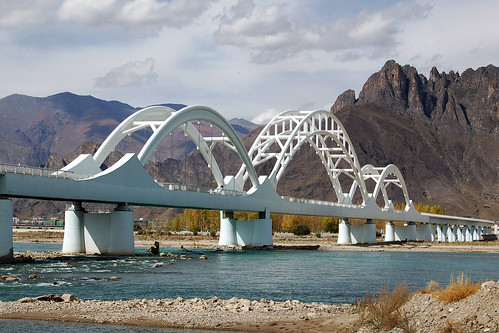 Lhasa River RR Bridge por bridgink.
