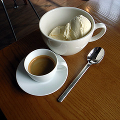 first affogato of the day (superlocal) Tags: food coffee cafe italian tasty korea photoblog icecream seoul espresso photolog ricohgrdigital seul teaspoon icn soul grd  anguk  superlocal mmmg r0060245jpg