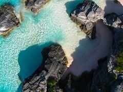 Bermuda coast (scottdunn) Tags: kite beach photography aerial horseshoebay bermuda kap aerialphotography kiteaerialphotography scottdunn img0515 fotografiaareacompipa photosexplore bermudahorseshoebay photoparcerfvolant fesseldrachenluftbildfotografie