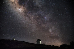 Milky Way over Observatorio del Roque de los Muchachos (MartinFechtner-Photography) Tags: observatoriodelroquedelosmuchachos roquedelosmuchachosobservatorium esa lapalma sternenwarte nightscape nacht night milkyway milchstrase stars sterne starry sky telekop mountain vulkan canon eos 6d tamron 2470mm