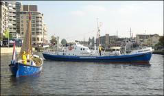 Reddingsactie Alkmaar (Emil de Jong - Kijklens) Tags: boot kanaal alkmaar redding schip noordhollands reddings