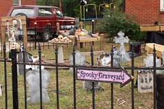 Neighborhood Halloween Decor