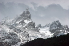 PATAGONIA, CHILE: The frozen Andes. (thejourney1972 (South America addicted)) Tags: chile patagonia mountain mountains ice southamerica argentine del america de landscape los amrica san do south border peak paisaje du paisagem an mount cerro lorenzo andes sur montaa amerika patagonie range hielo frontera montanha sul borderline sud cordillera andean zuid sudamerica cochrane suramerica aysn  argentini argentinien  sudamrica suramrica aisen patagonien argentiina arjantin amerique  argentyna largentine  chileanargentine   chilenoargentina  sudamerique  thejourney1972 airgintn rememberthatmomentlevel1 rememberthatmomentlevel2 rememberthatmomentlevel3