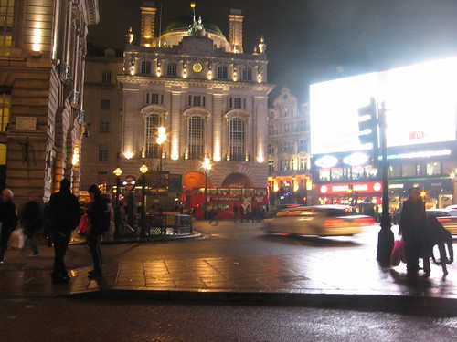 London - Piccdilly Circus by night 2
