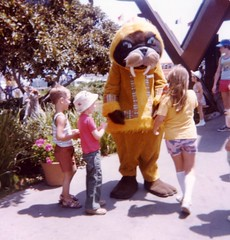 Sea World San Diego , 1970's, in the good old days (Boonlong1) Tags: california animals children sandiego nostalgia 1970s seaworld themepark