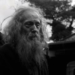 (Georg Sedlmeir) Tags: portrait blackandwhite bw man 6x6 mamiya tlr film face mediumformat beard person persona belgium sw schwarzweiss ilford biancoenero c330 mittelformat schwarzweis