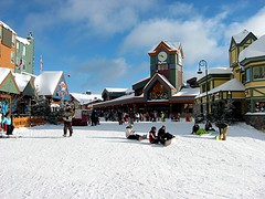 Big White Ski Resort, Kelowna, BC (~Sandy~) Tags: christmas snow ski bigwhite diamondclassphotographer skiresortbluesky