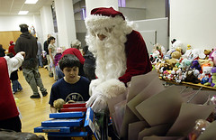 Volunteer Santa. Middletown, NY  12/25/07