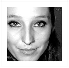 In-quadratura frontale (preju_13) Tags: portrait bw woman donna bianco ritratto nero viso giacomo carlotta stretta supershot inquadratura preju mywinners ecosvia chenedicidi nonmivengonoamentealtretag sevivieneamentequalcosaavoiaggiungetepuresotto