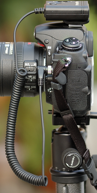 Cleon receiver mounted on flash hotshoe -- side view