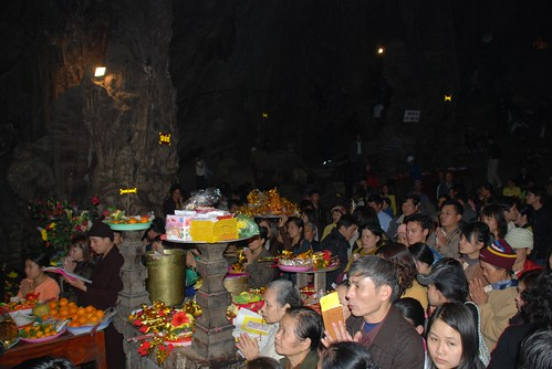 Huong Tich cave - Perfume Pagoda Feb 08