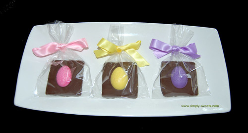 Easter Egg chocolate dipped graham crackers