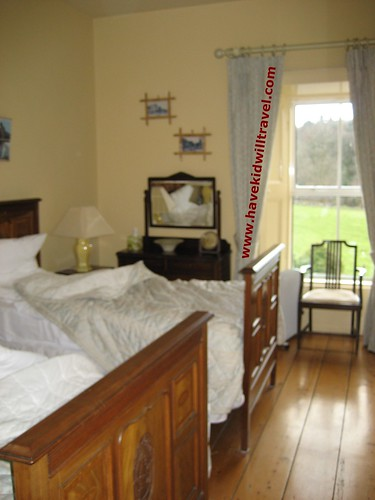 2008-03-03 Ireland Glendine Room 2