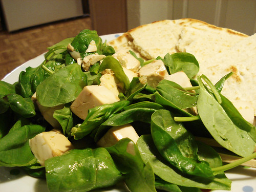 spinach salad with baked tofu