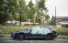 (David Chee) Tags: contax t2 carl zeiss sonnar kodak portra 160 louisiana neworleans nola central city erato car graffiti street film analog