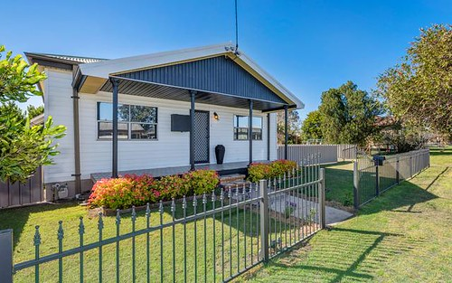 19 Barrett Ave, Cessnock NSW 2325