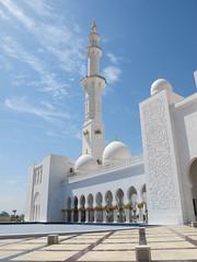 IMG_0881.JPG (drum881) Tags: ocean water persian sand gulf desert minaret muslim islam united entrance grand mosque emirates zayed abudhabi arab arabian abu dhabi sheikh unitedarabemirates eyefi