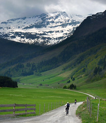 Mountain biking in the unspoilt valley of mount Ritterkopf (Bn) Tags: panorama mountain snow alps salzburg nature bike race geotagged cycling austria goldberg tour mountainbike glacier alpine valley cycle biking gradient pedals mountainbiking topf100 topf200 impressive gravel bycicle radweg ascending decending unspoilt 100faves 200faves cyclepaths kolmsaigurn hohetauernnationalpark rauristal ritterkopf bucheben raurisvalley rauriskolmsaigurn 3006m geo:lon=12973770 geo:lat=47134118