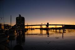 Götaälvbron sunset (Rudi Pauwels) Tags: bridge sunset göteborg evening gothenburg nightpicture götaälvbron mywinners nikond40 diamondclassphotographer flickrdiamond platinumheartaward saariysqualitypictures