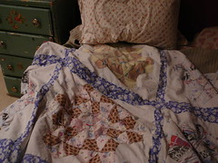 (cfmayer) Tags: home bed bedroom linens showyourhouse thrifted cornersofmyhome