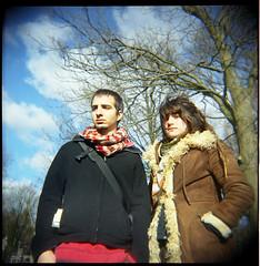 Holga_Pau & Anna (Chamo San /// Photography) Tags: portrait anna tree 6x6 film arbol holga rotterdam retrato pueblo hippy het pau parc tabacodeliar lamamademarco