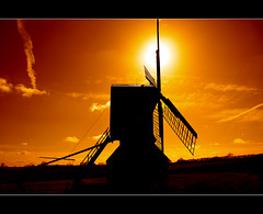 Sun sails (Gary*) Tags: light shadow orange sun mill windmill bravo country sails silhouettes firstquality magicdonkey bromham fpg lovephotography 40d anawesomeshot mydymm