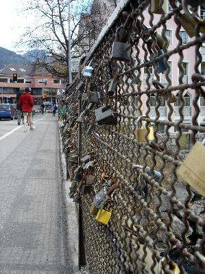 brunico bridge padlocks