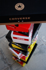 CAN'T GET ENOUGH OF SHOES !! (S) Tags: shoe emily shoes box ground converse vans boxes vondutch emilythestrange edhardy