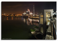 1001 Nights (DanielKHC) Tags: longexposure night digital high bravo dynamic sony mosque malaysia putrajaya alpha range soe dri increase hdr brigde a100 blending dynamicrangeincrease supershot instantfave 3exp tamron1118mm danielcheong superbmasterpiece infinestyle goldenphotographer diamondclassphotographer danielkhc