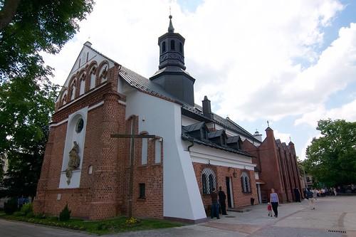 Kościół św. Anny w Piasecznie od północnego wschodu
