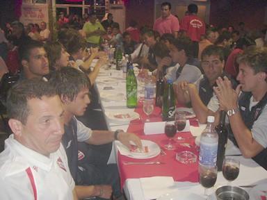 Jugadores de 3ra. división del Club Atl. Independiente en la cena de bienvenida