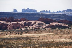 Looking south-southwest from Jug Rock toward Delicate Arch... 20070927_7225 (listorama) Tags: outcrop geotagged utah sandstone moab prairie archesnationalpark jugrock ut2007sep