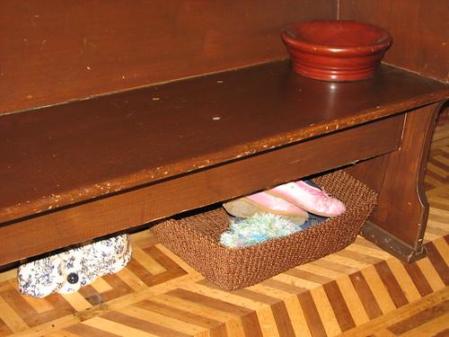 DD's shoe basket
