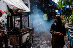 Glodok, Jakarta (AMNewman) Tags: alexnewman asia candid imlek indonesia jakarta java street travel valleyninja color colour glodok rain food