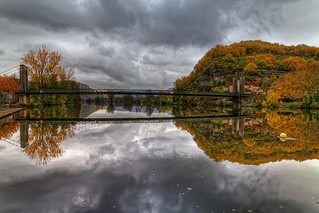 Reflections of autumn - Reflets d'automne