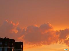 Fuego en el cielo (juantiagues) Tags: rojo cielo nubes puesta anochecer juanmejuto juantiagues