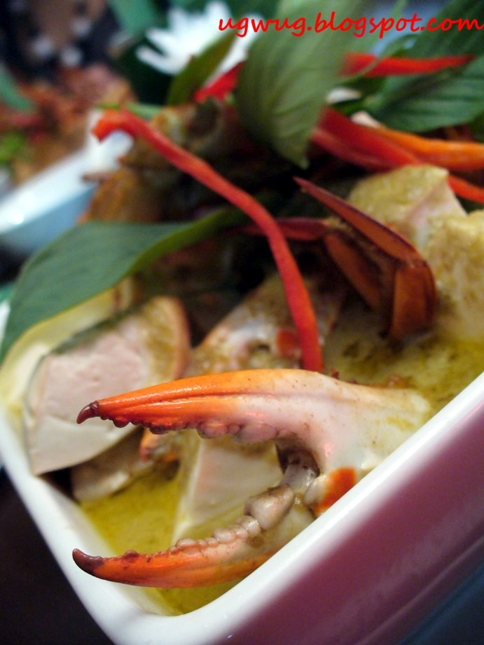 Green Curry Sea Crabs with Gingko & Tofu